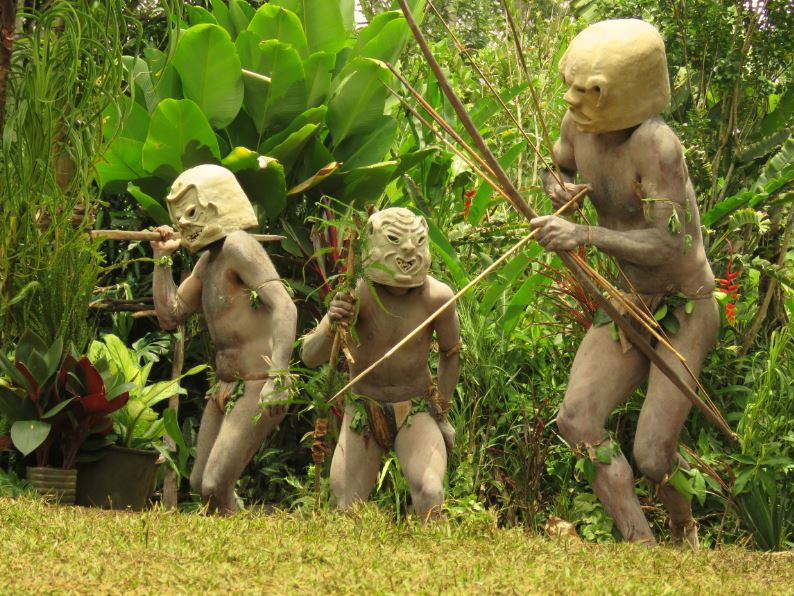 Asaro mud men 1