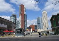 Zicht op de Wilhelminapier in Rotterdam vanaf Katendrecht. Steden kunnen negentig procent van hun plannen met hun eigen publieke, private en maatschappelijke partners kunnen uitwerken en realiseren. Beeld Marcel Bayer