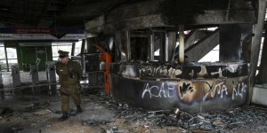 Νέες ταραχές στη Χιλή, 3 νεκροί -Απαγόρευση κυκλοφορίας στην πρωτεύουσα