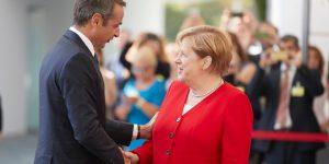 Καταιγιστικές εξελίξεις: Επικοινωνία Μέρκελ – Μητσοτάκη για την Διάσκεψη του Βερολίνου