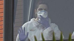 La Comunidad de Madrid intervendrá ocho residencias privadas desbordadas por el coronavirus