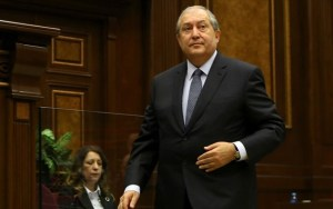 Στις Βρυξέλλες ο πρόεδρος της Αρμενίας για επαφές με ΝΑΤΟ και ΕΕ
