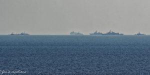 Σκηνικό πολέμου ανοιχτά της Ρόδου – Σε ασφυκτιό κλοιό το Oruc Reis (pics)