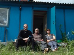 The team (Me, Benoit and Caroline) on the front of our bleue house