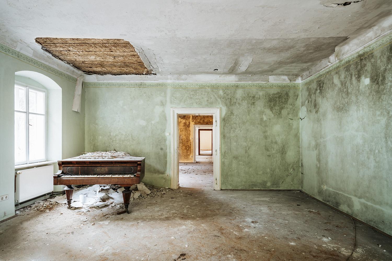 requiem pour pianos 87 | Serie Requiem pour pianos | Romain Thiery
