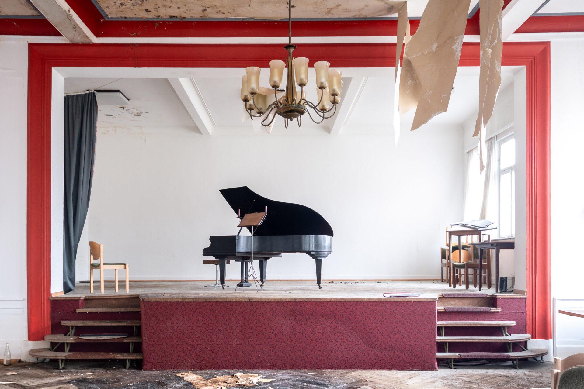 Requiem pour pianos 55 | Serie Requiem pour pianos | Romain Thiery