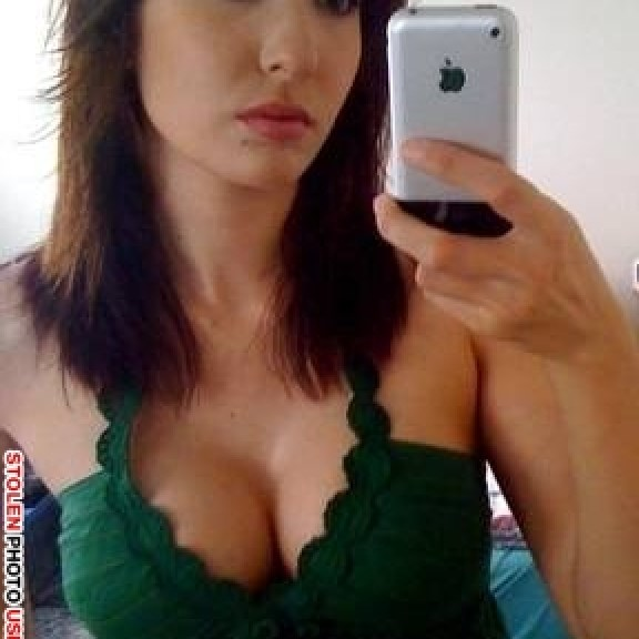 photos dating scammers use