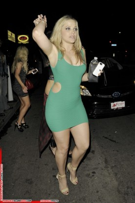 alexis-texas-leaves-a-nightclub-in-hollywood_1