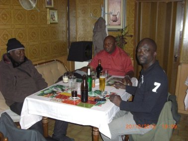 Dating Scammer Kazeem Owonla seeing and his scumbag friends