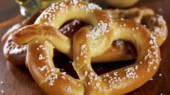hungry-pretzel-istock_000018610872large-e