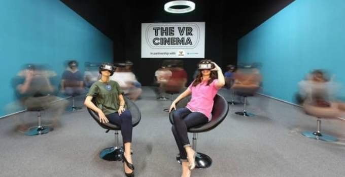 În România s-a deschis primul cinematograf VR, al doilea din Europa! Scaunele au mobilitate 360 grade. Vezi cât costă un bilet: 3