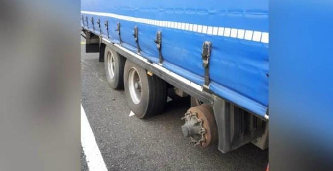 Şofer român de TIR care mergea cu o roată lipsă la mașină în Ungaria, prins de poliţia maghiară 5