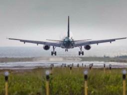 Alertă de coronavirus în România după sosirea unui avion din Italia. O pasageră a averizat că fiicele ei vin din Lombardia 1