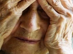 """Bătrână de 83 din România, izolată la bloc, a strigat pe geam: """"Îmi e foame, vă rog, vă dau banii la pensie"""" 31"""