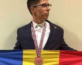 Elevul de geniu din România, pe podiumul Olimpiadei Internaţionale de Biologie desfăşurată în Marea Britanie 9