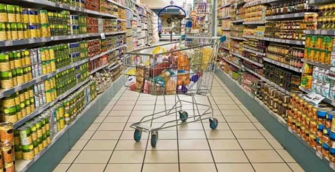 Amendă uriașă de 87 milioane de lei pentru Auchan, Carrefour și Cora și distribuitori de alimente, de la Consiliul Concurenței 17