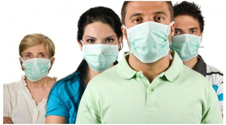 """Medicul Vasi Rădulescu: """"A fost declarată epidemia de gripă în România. Ce facem? În primul rând, nu ne isterizăm. Cum ne protejăm? Ne spălăm riguros pe mâini. Purtăm mască. Cum știm că e gripă? Simptomele pornesc ..."""" 2"""