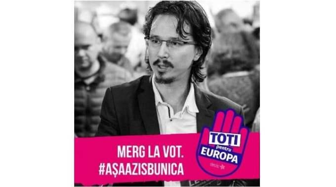 """Judecătorul Cristi Danilet, mesaj pentru Dragnea și Viorica: """"Oameni sancționați pentru postări pe FB sau lasere pe clădiri, oameni amenințați cu dosare penale dacă ies la proteste - să nu creadă cineva că noi, magistrații, nu vedem toate astea și nu înțelegem ce se întâmplă în România. Vom face totul ca..."""" 1"""
