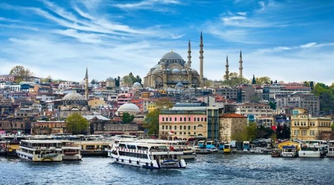 """Nelu Corbu, după concediu: """"Turcia o țară plină de tineri, efervescentă, cu viață pe străzi, România o țară golită de oameni, cu tineret aproape deloc A doua chestie care m-a șocat este ..."""" 1"""