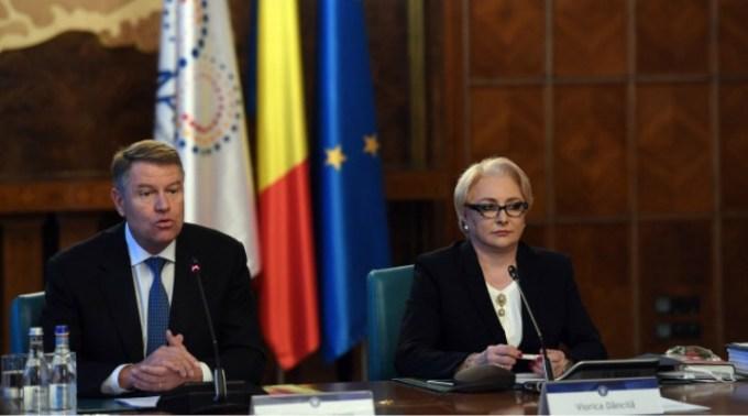 """Nadina Ioana Dogioiu: """"În 2014, Iohannis îl fugărea pe Ponta pentru dezbatere. Acum este el un fel de Ponta. Aici nu e vorba despre dna Dancila ca persoana. Este vorba despre ...."""" 1"""