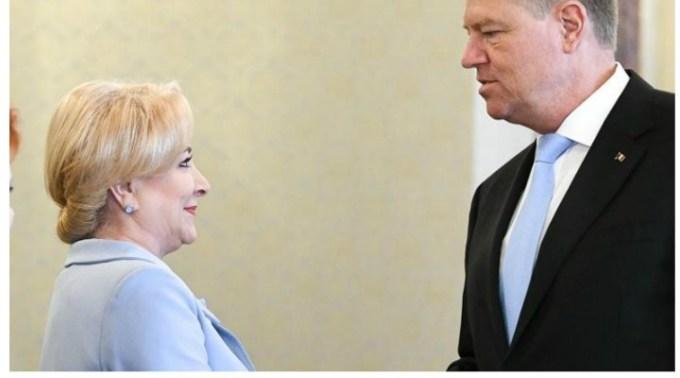 """Mircea Badea, despre baletul electoral Iohannis-Viorica: """"De cine vorbește Werner nasol? De Dăncilă. Cui îi pune bețe în roate? Lui Dăncilă. Cine îl denunță non stop și îl acuză pe Werner? Dăncilă. Nu aud Barna nicăieri. Barna nu se aude. E și el cu capul în poză cu niște chestii..."""" 1"""