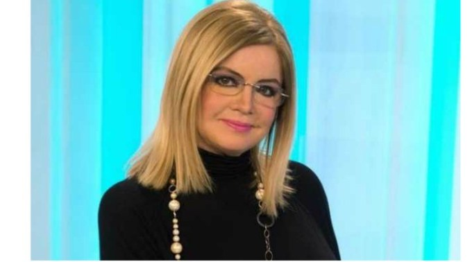 """Cristina Ţopescu, găsită moartă în casă. Prietena care a sunat la 112: """"Cris nu s-a sinucis. A trecut Sus alături de cățeii ei, așa cum voia sa se întâmple cand ii va veni ceasul. În cursul zilei de astăzi, 13 ianuarie, vă voi da informațiile reale despre... """" 1"""