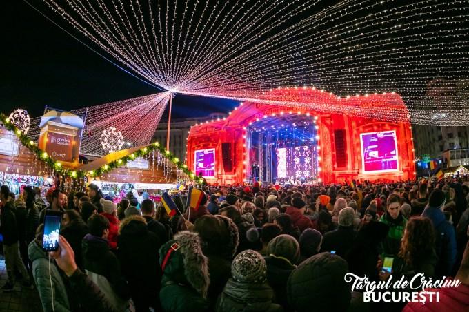 """(Foto) Mai frumos la Târgurile de Crăciun din Cluj, Brașov, Sibiu sau București? Tamara: """"Dortmund se lauda cu cel mai înalt pom de Crăciun din lume: 45 m. Atmosfera este una relaxata, toți se amuza, cu mic, cu mare, lipsiți parca de griji, bucuroși sa-l vadă pe Mos Crăciun ( aici, Nicholas) !"""" 24"""
