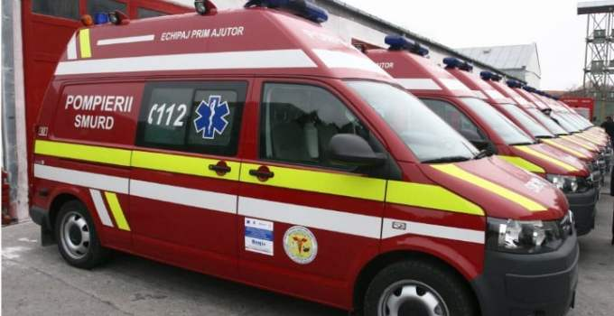 Grav ACCIDENT de circulație în această seară. 10 persoane, dintre care 3 copii, au fost rănite după ciocnirea a trei maşini 11