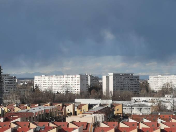 (Foto) Munții Carpați, vizibili din București. Fotografia spectaculoasă surprinsă în centrul Capitalei României 4