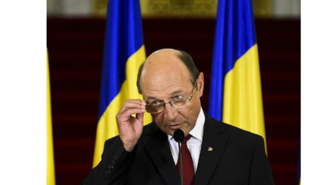 Ce a pățit?! Traian Băsescu: Românii din diaspora vin acasă să arunce bancomatele în aer, s-au antrenat la Londra, Paris… 1