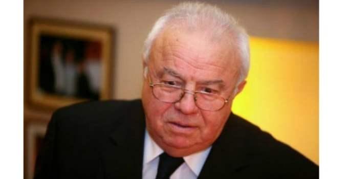 """Alexandru Arșinel furios pe Romania TV. """"E o minciuna ordinara. Mai intai, ma intrebati si pe urma dati informatia. Astia vor sa ma omoare. Am o gramada de ..."""" 14"""