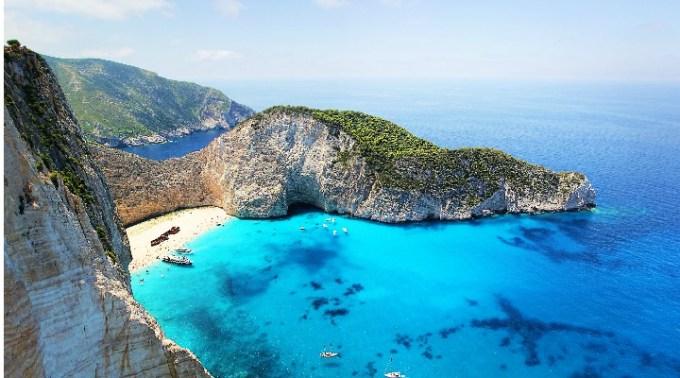 Cipru interzice accesul turiștilor români pe teritoriul său. Test COVID negativ obligatoriu la intrarea în Grecia și pentru românii care ajung cu avionul 1