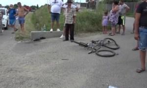 Trei copii pe bicicletă loviți de un șofer. Unul a murit pe loc, altul este în comă 40