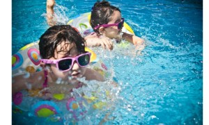Relaxare 1 iunie. Ministrul de Interne, noi detalii despre piscine, ștranduri, petreceri din case și apartamente, cinematografe 4