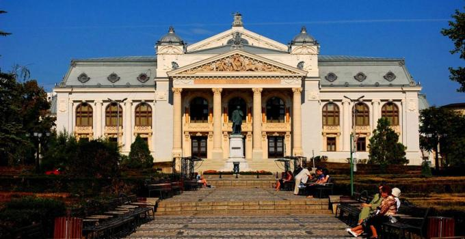 """Un teatru din România e inclus în topul mondial al celor """"7 teatre care-ți taie respirația"""" 1"""