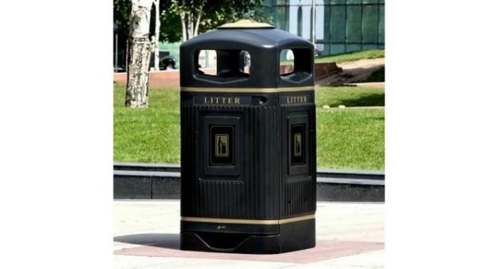 Bogăție sau prostie? Unicul oraş din România care își permite să cumpere coşuri de gunoi din Anglia, cu 615 euro pe bucată 1