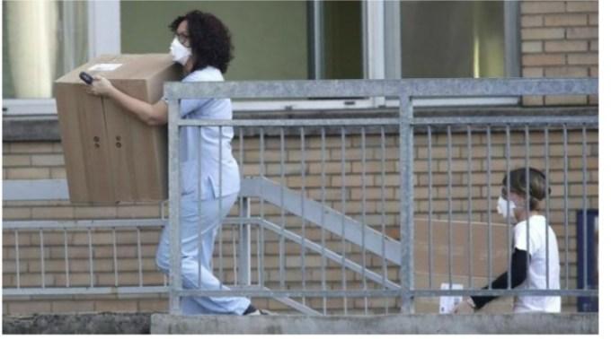 """Româncă din Italia: """"Am aflat despre cazul de coronovirus când am ajuns dimineaţă la muncă. Numai despre asta se vorbea în fabrică. Unii dintre angajaţi îl cunosc pe bărbatul de 38 de ani bolnav. Barurile şi unele magazine sunt închise. În centru ..."""" 1"""