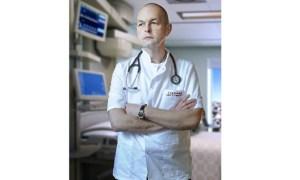 """Medicul Florin Orțan: """"Poate se înțelege odată pentru totdeauna că cei testați pozitiv pentru SARS-CoV-2  nu sunt  un pericol pentru cei din jur, după ce au trecut de faza clinică a bolii...Recunosc că am trecut de 3 luni, prin toate stările - furie, frustrare, panică, griji pentru cei dragi, foame de informații, oboseală psihică, panică la citirea previziunilor apocaliptice, la imaginea unor grafice cu cocoașe spre milioane de decese  ...pe toate astea le-am trăit din plin ...si.."""" 3"""