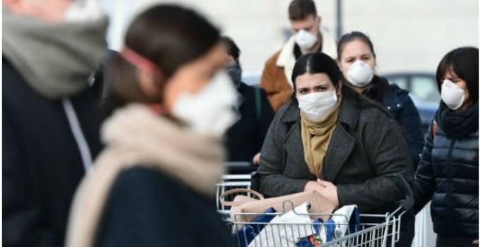"""Coronavirus. Româncă din Italia: """"Nu-i nicio persoană pe stradă, zici că-i ca-n război. Unde sunt eu, oamenii s-au panicat foarte tare, au luat cu asalt magazinele, am început să facem cumpărăturile online..."""" 26"""