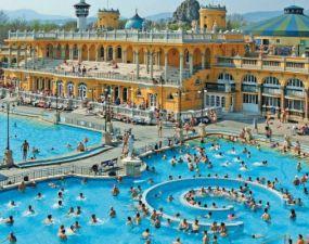 UNIC în România. Aquaparcul cu apă termală.  Toate bazinele vor fi alimentate cu apă de la un izvor termo-salin 24