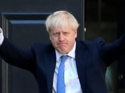 """Lucian Mindruta: """"Nu, in UK nu a câștigat echivalentul PSD-ului de la noi. A câștigat mincinosul cel mai mare. Pentru ca oamenii s-au saturat de dezbateri. Pentru ca au zis ca poate merita sa încerce si răul cel mare, odată ce alternativa, Corbyn, e de un stângism ridicol si pe alocuri chiar prostesc.  Ce învățam de aici? Ca binele ..."""" 3"""