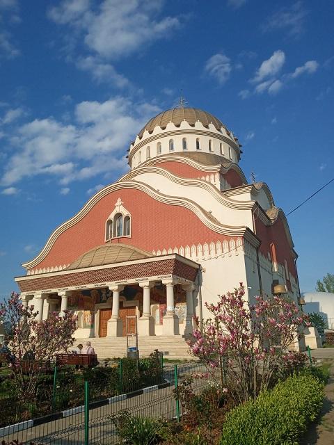 """Biserica """"Sfânta Vineri"""", cu hramul """"Cuvioasa Parascheva"""" (cartierul Drumul Taberei)"""