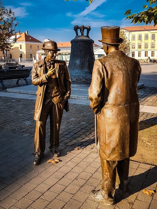 Statui din bronz în interiorul Cetăţii Alba Carolina - Orăşeni (Alba Iulia)