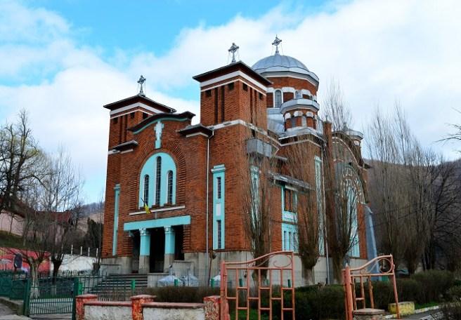 """Biserica Ortodoxă """"Sfinții Împărați Constantin și Elena"""" (Anina)"""