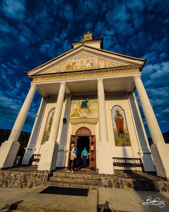 Mănăstirea Moisei - Biserica din zid (comuna Moisei, județul Maramureș)