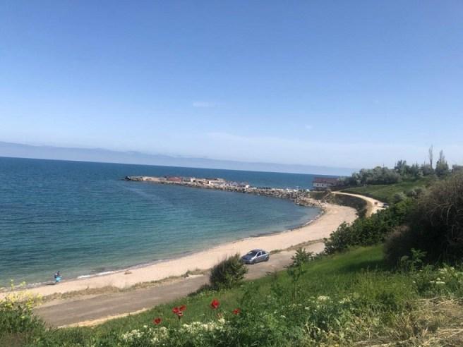 Plaja din mijloc (vechea plajă a nudiştilor) - 2 Mai (jud. Constanţa)