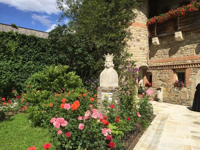 Mănăstirea Moldovița (Jud. Suceava) - Bustul Voievodului Petru Rareș
