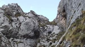 Galicia: Un muncitor român a murit după ce a căzut într-o râpă de 15 metri