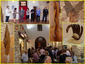 Secvenţe de la vernisajul expoziţiei de sculptură Viziuni, de Mihai Camara, în oraşul Quintanar de la Orden