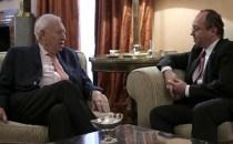 Ministrul Afacerilor Externe, Bogdan Aurescu, vrea dublă cetăţenie pentru românii din Spania